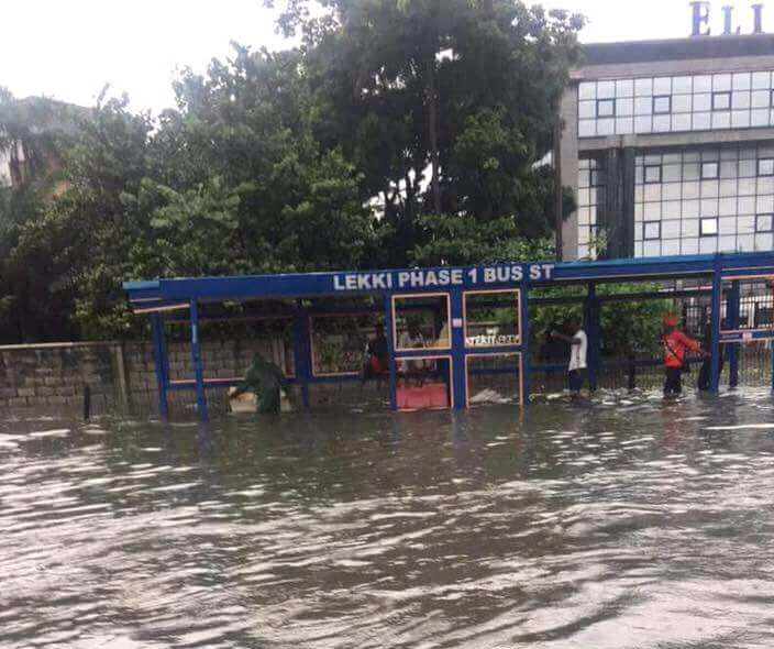 Flood-Lagos-Lekki Peninsula-704x590