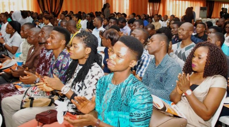 Nigerian-youths-818x456